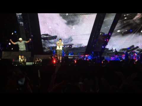 'Till I Collapse - Eminem (The Monster Tour in Detroit 8/22/2014)