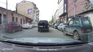 Yi Car DVR. Необычный видеорегистратор с Wi-Fi и ADAS.
