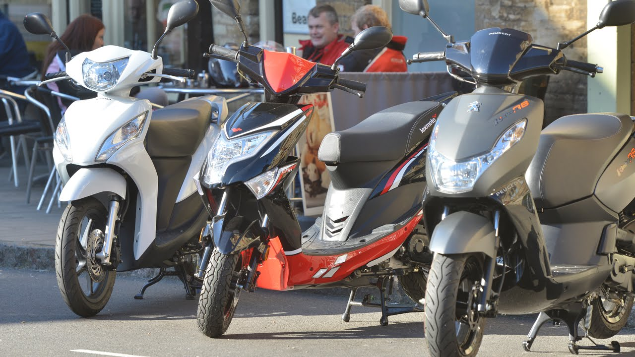 Verbazingwekkend 50cc Moped Shootout: Honda v Peugeot v Lexmoto TP-19