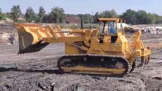 Caterpillar Cat 983 in action