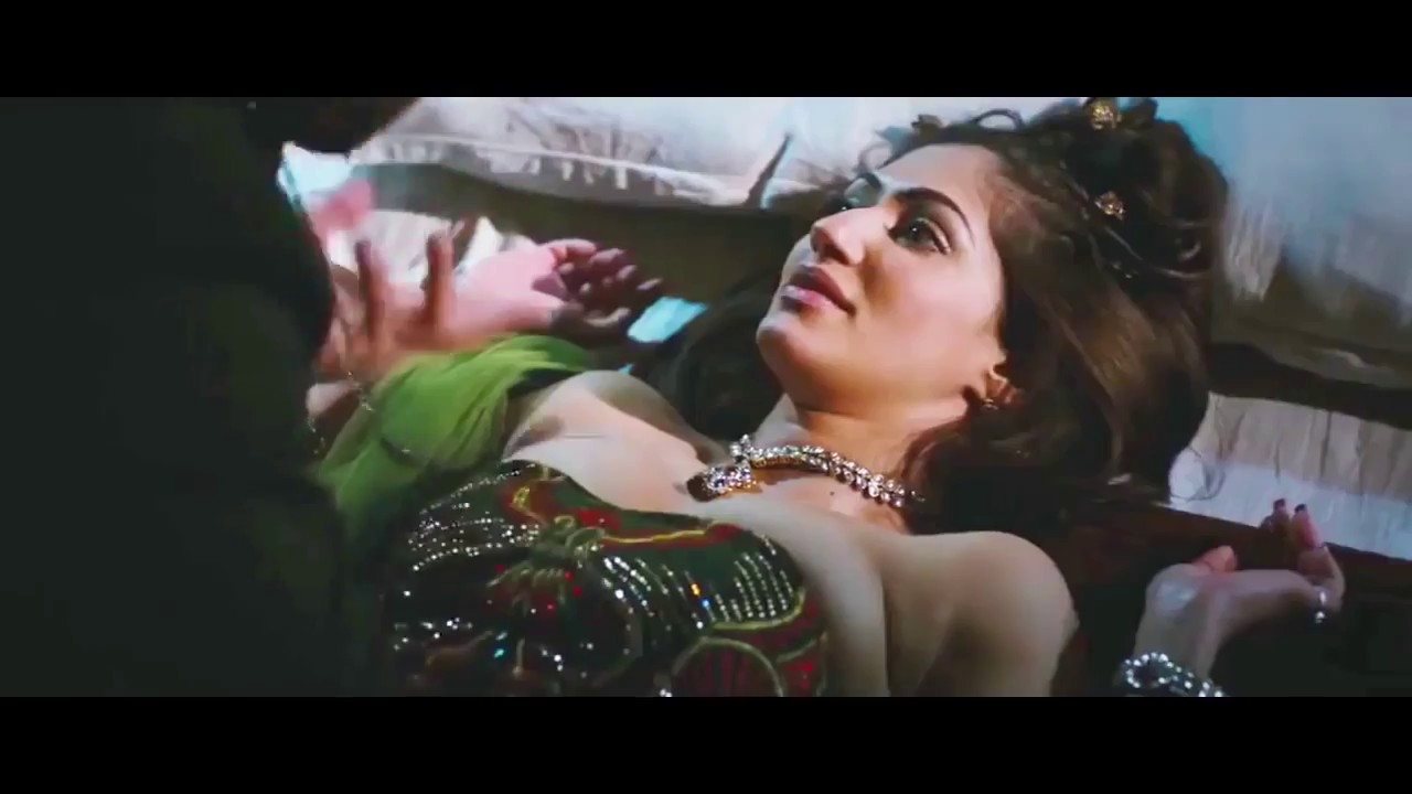Download Big boobed Reyhna Malhotra Hot Kiss And Bed Scene