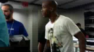 Stephon Marbury gets cursed at by a female at the Apple Sore NYC 8/10/09  Part 2