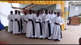 Kibosho Seminary  wakitumbuiza katika mahafali ya 7 ya TMCS kanda ya Moshi 2016