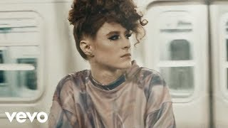 Смотреть клип Kiesza - Give It To The Moment Ft. Djemba Djemba