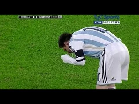 Lionel Messi ( Argentina Captain ) Vomits In World Cup Final - World Cup 2014 [HD]