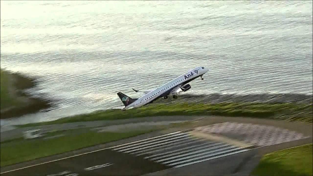 Aeroporto Santos Dumont : Azul decolando aeroporto santos dumont rio de janeiro