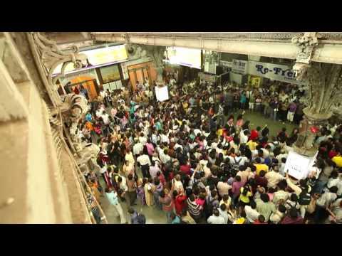 Флэшмоб в лучших традициях индийского кино Индия. Мумбаи. 2011г