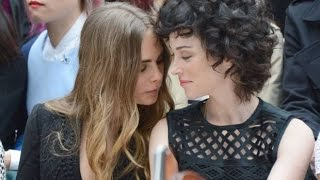 Cara Delevingne and her girlfriend Annie Clark kissing