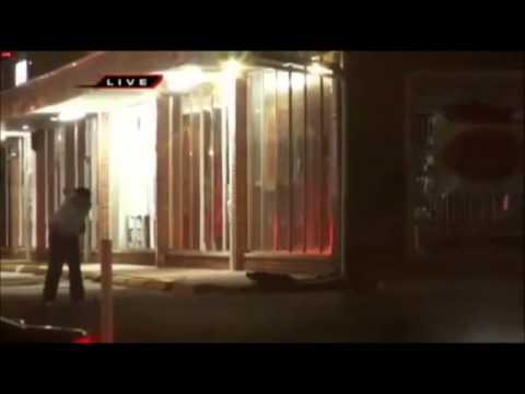 Ferguson Missouri Riots - Looters Stealing Hair Extensions