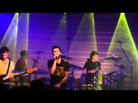 Maroon 5 - Misery @ Q-music showcase 17 november 2010 made by Claire