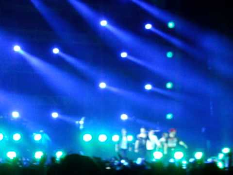 GET DOWN (YOU'RE THE ONE FOR ME) & YOU GOT IT (THE RIGHT STUFF) - NKOTBSB Live In Jakarta