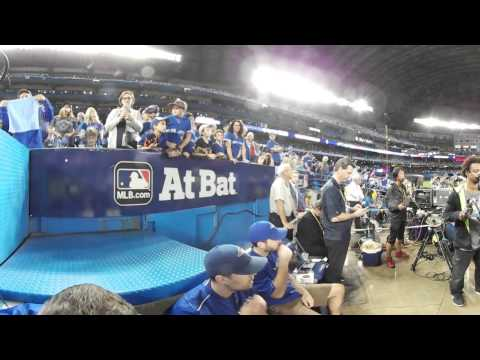 VR 360: Blue Jays take the field in Game 5