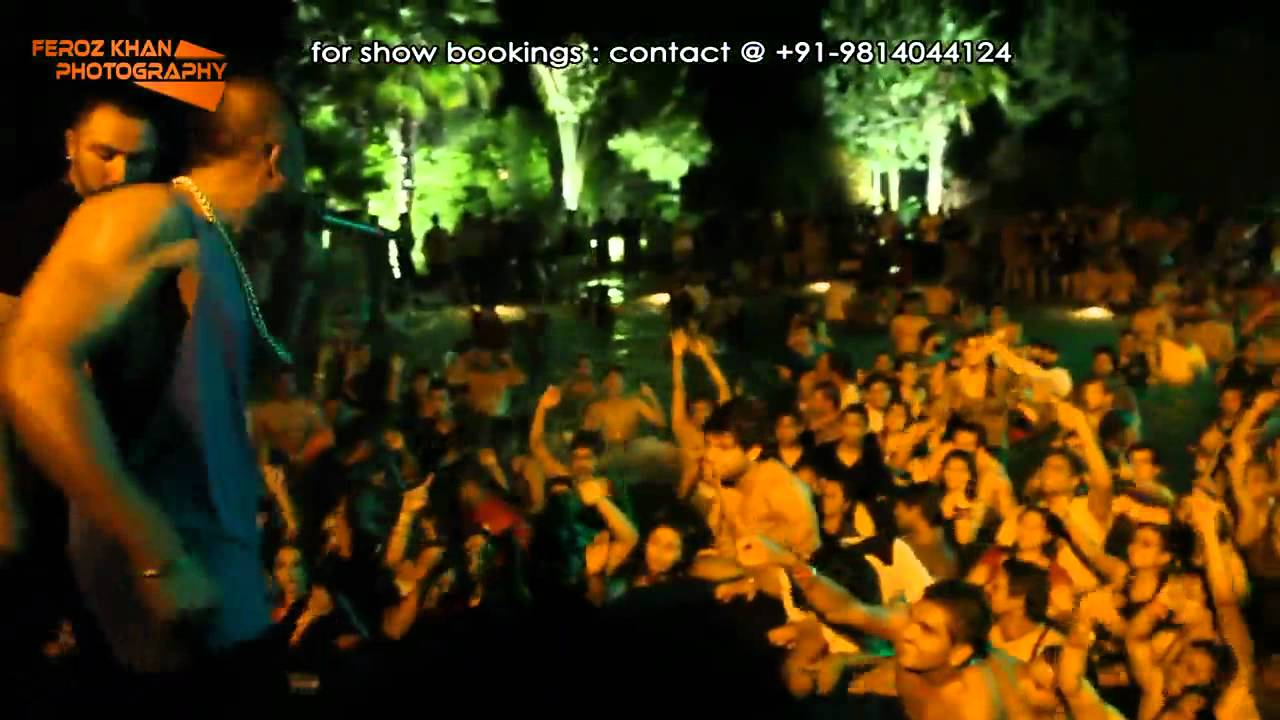 Yo Yo Honey Singh with Mafia Mundeer @ Pool Party (DELHI) - YouTube