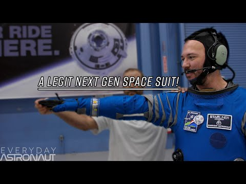What it\'s like to wear Boeing\'s Space Suit