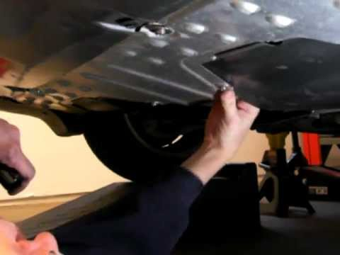 16 Oil Change Replace The Splash Guard 2000 Honda Insight Youtube