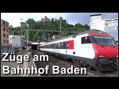 Züge im Bahnhof Baden, Aargau, Schweiz