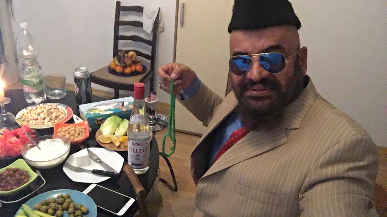 مصطفى الحجي وطاولة المستديرة عرك عروووك والعشا الزين