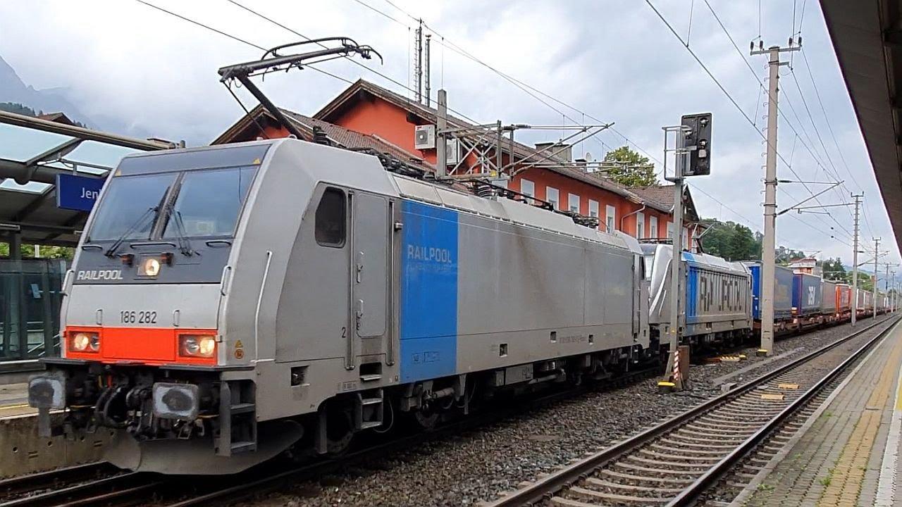 Güterzug: Railpool Baureihe 186/187 fährt in Jenbach (Tirol) ab