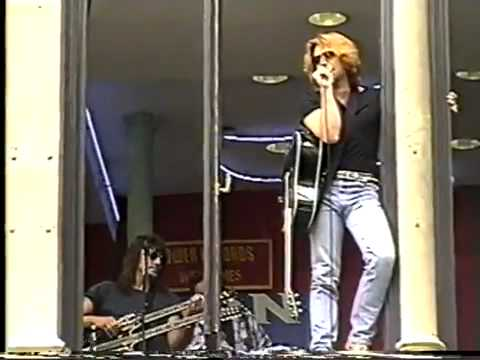 Bon Jovi - This Aint A Love Song (Live-Glasgow 1995)
