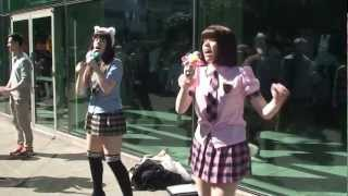 Sakura-con 2013 Day 2 - Moe-style twins Ally and Sally