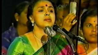 Sudha Ragunathan at 1994 Thiruvaiyaru  Aradhana