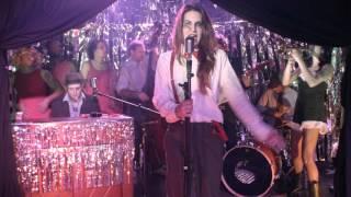 Que Lastima feat. Sophie Sputnik - Poison