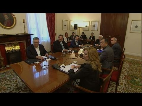 Greek parties call for bank cash, austerity-light reforms