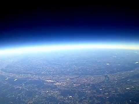 Weather balloon near miss with an airplane