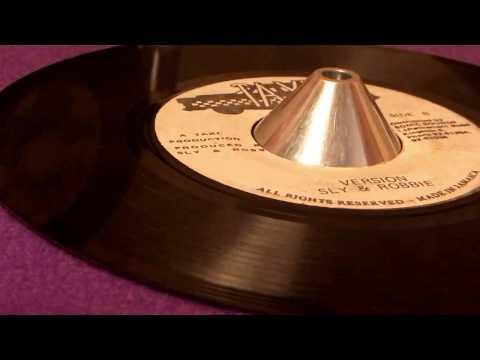 SLY & ROBBIE ~ Version (CARLTON LIVINGSTON ~ Those Tricks, The Whip Riddim, B Side)