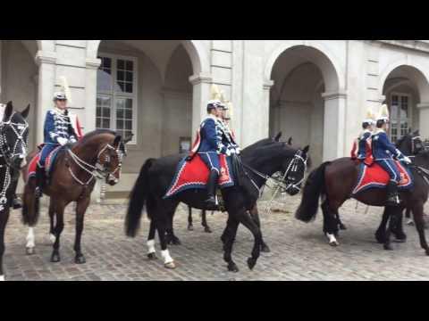 Statsbesøg 28. marts 2017 - Eskorte af Kong Philippe & Dronning Mathilde af Belgien.