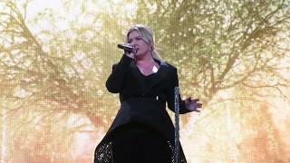 Kelly Clarkson - Never Enough (Greatest Showman Cover) live in Tulsa OK 2/8/2019