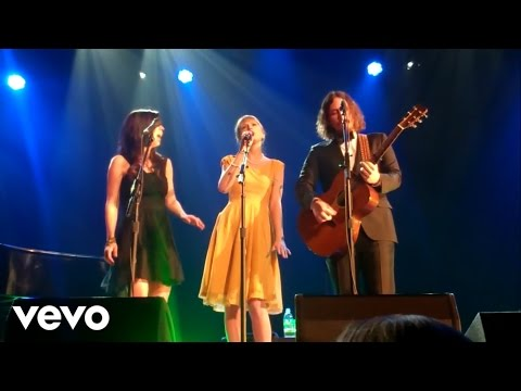 Taylor Swift - Safe & Sound (Live Acoustic)