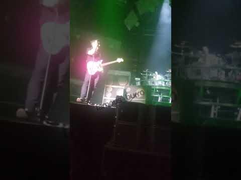 blink-182---generational-divide-(first-time-live)