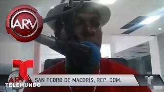 Doble asesinato en emisora de República Dominicana | Al Rojo Vivo | Telemundo(Asesinan a locutor y a director de radio en plena transmisión en vivo, y su secretaria quedó herida de gravedad. SUBSCRIBETE: http://bit.ly/1HwWM9Y Al Rojo ..., 2017-02-15T00:30:04.000Z)