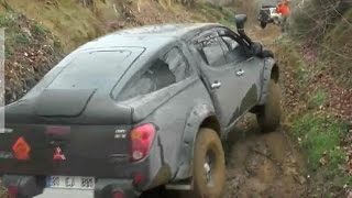 L200 vs Amarok vs Duster 4x4 Off Road