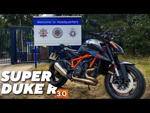 2020-ktm-1290-super-duke-r---first-ride-review