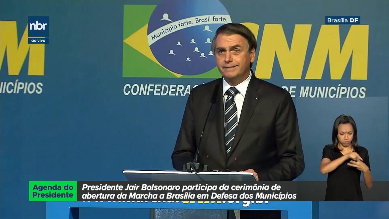 Presidente Jair Bolsonaro participa da abertura da Marcha a Brasília em Defesa dos Municípios