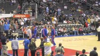 Lebron should be in the 2010 nba dunk contest!