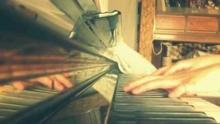 SAKEROCKの名曲、MUDAをピアノで弾いてみました。 正しいメロディに沿わ...