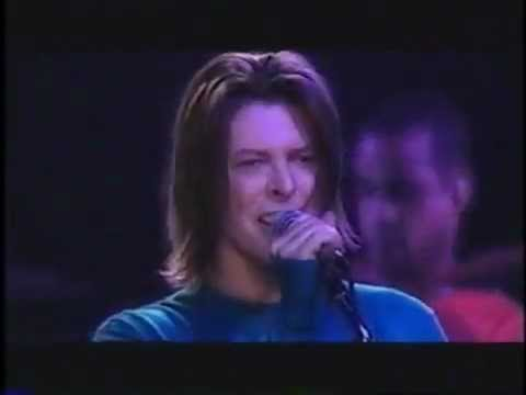 David Bowie - Changes. (Live) France