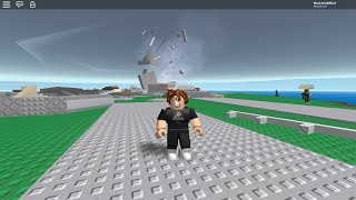 Playing with my friends in Natural Survival Roblox! ( My friend had so much fun )