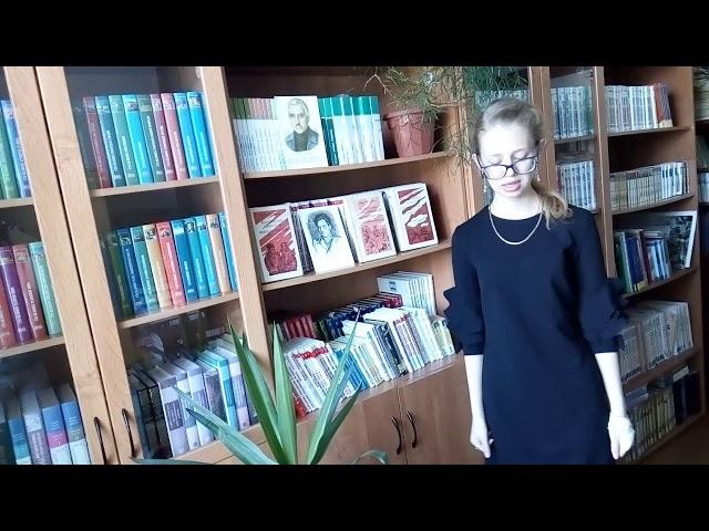 Изображение предпросмотра прочтения – ЕкатеринаРечкина читает произведение «Ты помнишь, Алёша, дороги Смоленщины» К.М.Симонова