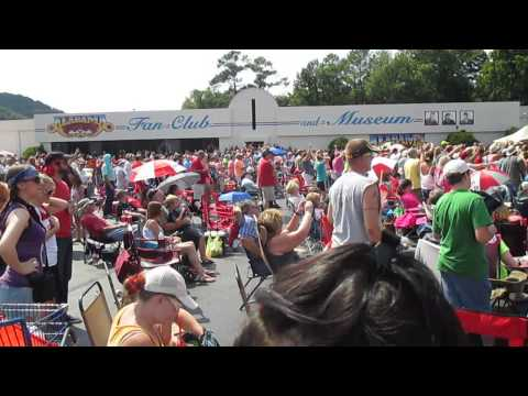Alabama - Fort Payne, AL June 15, 2014 (short clip)