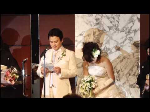 感動の結婚式!新郎のサプライズな手紙により新婦が思わず涙