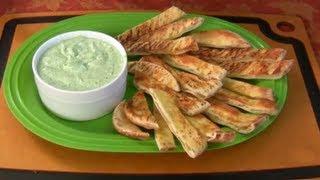 Spicy Yogurt Dip With Garlic Pita Strips
