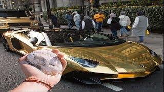 il jette une pierre sur une Lamborghini en or…😱