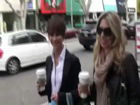 Jennifer Love Hewitt candid May 27th thumbnail