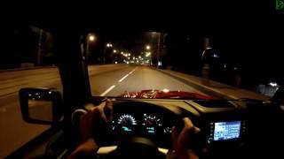 Jeep Wrangler 4D - болтовня в ночном движении (60p)