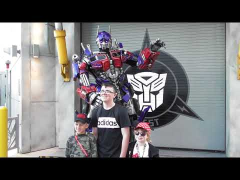 Meeting Both Transformers Optimus Prime And Megatron POV Universal Hollywood Studios 2017