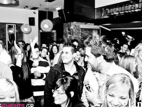 Anaskopisi GLAMOUR karaoke 2011